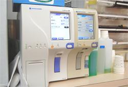 06血液型測定器